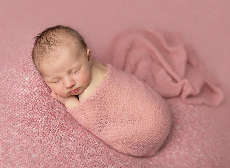 Newborn baby photographer Toowoomba Sarah Gage Photography Isla 2
