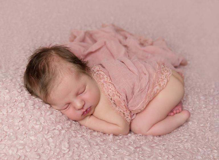 Newborn Photographer Toowoomba Goondiwindi Sarah Gage Photography Lilah 3
